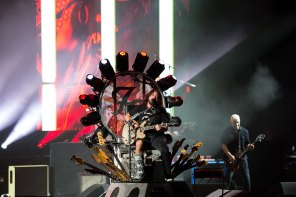 F41A2908 - Foo Fighters 092515 - s