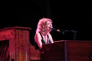 Jennifer Gunderman performs with Sheryl Crow live in concert at the Arizona State Fair on October 22, 2015.