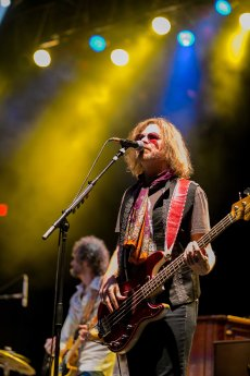 Robert Kearns performs with Sheryl Crow live in concert at the Arizona State Fair on October 22, 2015.